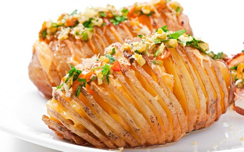 cheddapeynirli-yaprak-patates-tarifi
